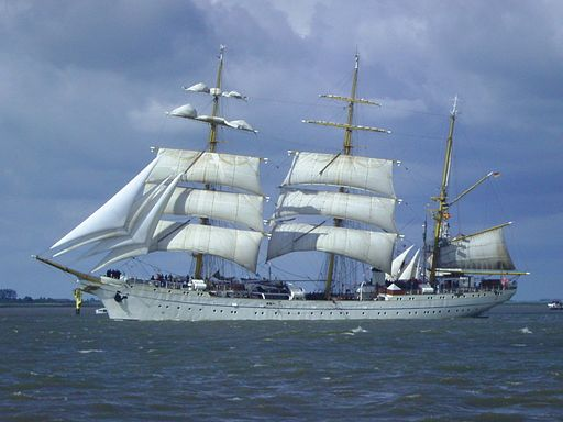 Sailing_ship_Gorch_Fock_512x384